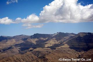 岩峰群が連なる風景