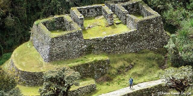 500年前と同じ方法でインカ時代の古道、約46kmを歩く