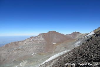 道中から望むレオネラ峰(4,954m)