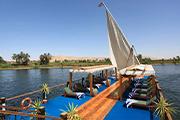 帆船ダハビーヤで優雅に巡るナイルの旅