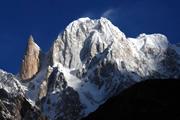 秋の山岳パキスタンを撮る
