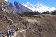 絶景のエベレスト展望ロッジ滞在とのんびりシェルパの里歩き