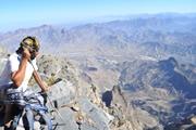 オマーン最高峰ジュベル・シャムス(2,997m)登頂とルブ・アル・ハーリー砂漠の星空キャンプ