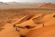 緑のアラビア・オマーンハイキングとルブ・アル・ハーリー砂漠の星空キャンプ